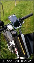 Mein HTC One am Fahrrad mit Oberrohr-Tasche, externem Akku und aufziehbarem Ladekabel
