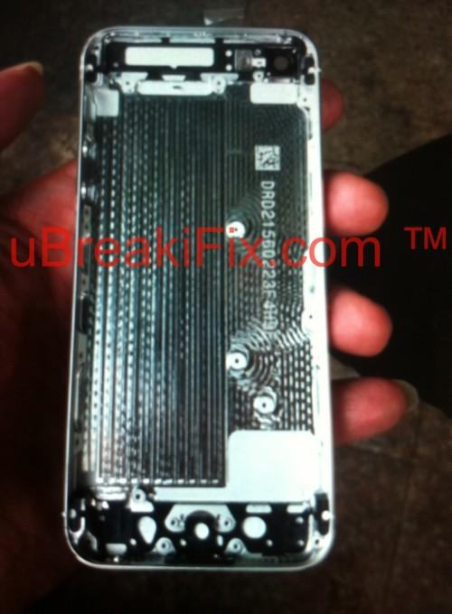 Bilder vom neuen iPhone aufgetaucht-iphone_5_rear_shell_white_2-500x680.jpg