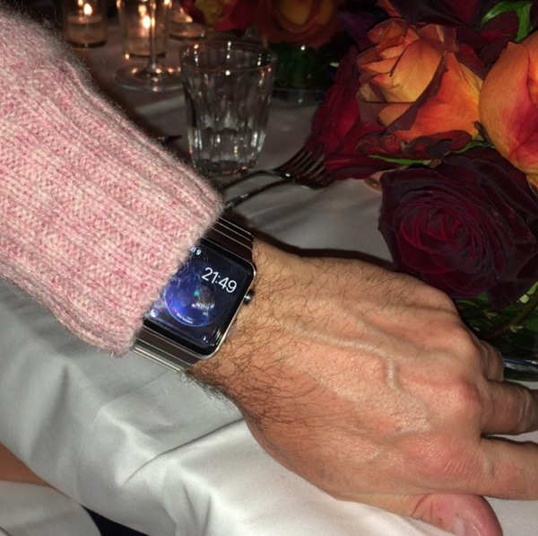 Erste Exemplare der Apple Watch in der freien Wildbahn gesichtet-applewatchwild1.jpg