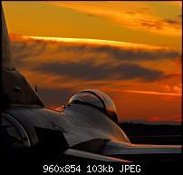 Motorola Milestone Wallpaper / Hintergrundbilder-f16-sunset.jpg