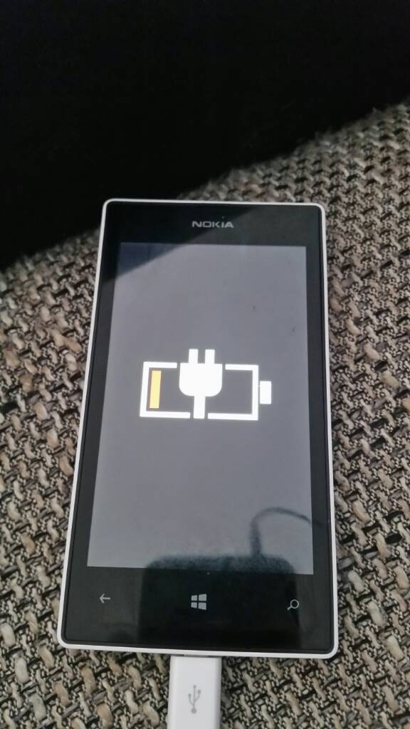 Nokia Lumia 520 geht nicht an