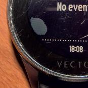 Vector Luna Smartwatch – Eure Erfahrungen mit der Akkulaufzeit-vector-luna-displayschaden.jpg