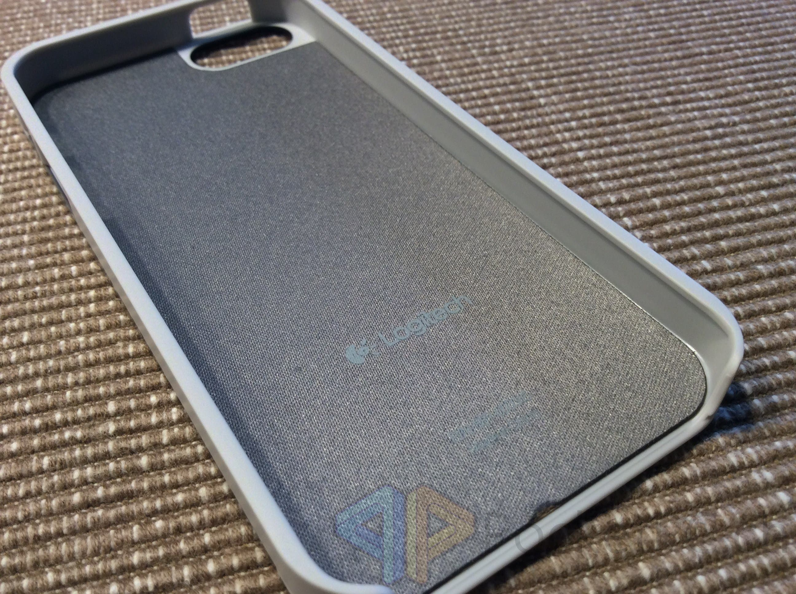 Das Logitech Case für das iPhone 5s
