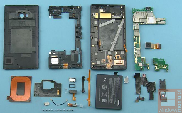 Nokia Lumia 930 Teardown