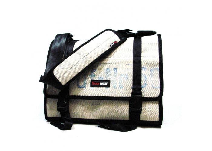 Weißer Messenger Bag Gordon