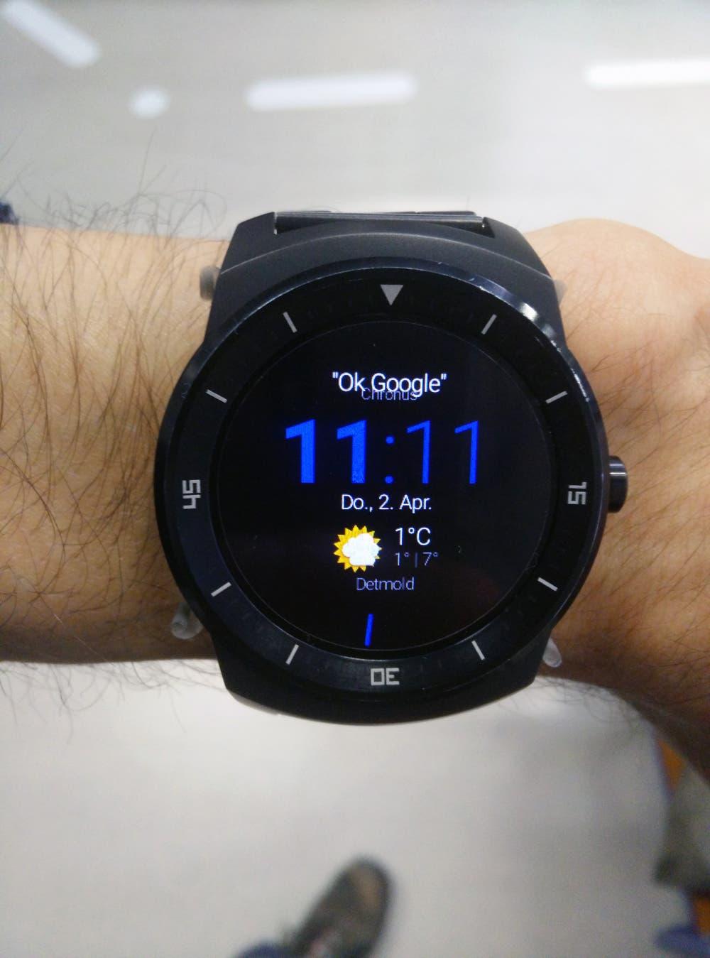 Android Wear 5.0 Tipps und Tricks: Ok Google Schriftzug aus dem Watchface entfernen