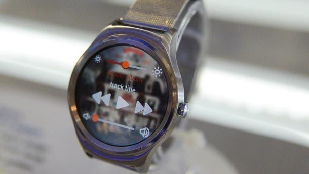 bei-der-200-euro-teuren-haier-watch-handelt-es-sich-um-eine-smartwatch-aus-edelstahl-in-chronometeroptik- MWC 2016: Eine Nachlese