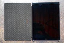 Aufgeklapptes Stilgut Couverture Case mit iPad Pro