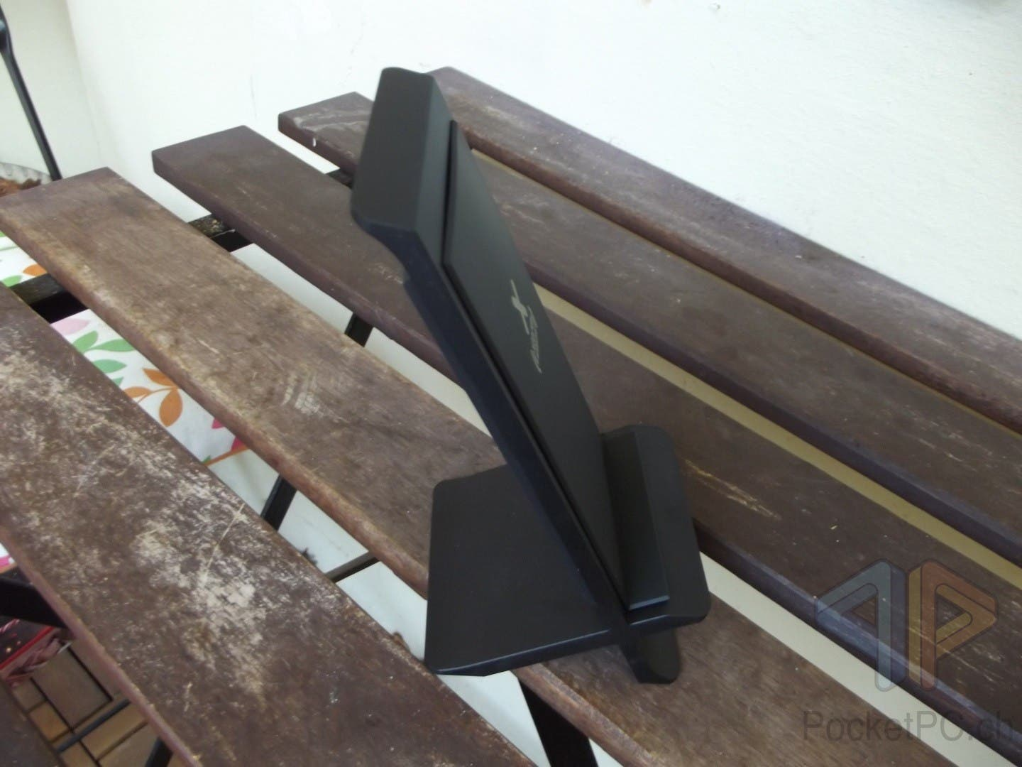 Xtrom XW203 Wireless Fast Charging Stand Angle