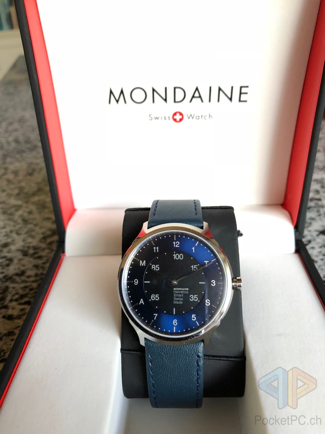 Mondaine Helvetica No1 Regular Smartwatch