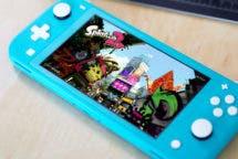 Nintendo Switch Lite mit Spiel