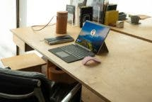 Surface Pro X Tablet mit Tastatur